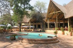 chobe-safari-lodge-wetu (5)
